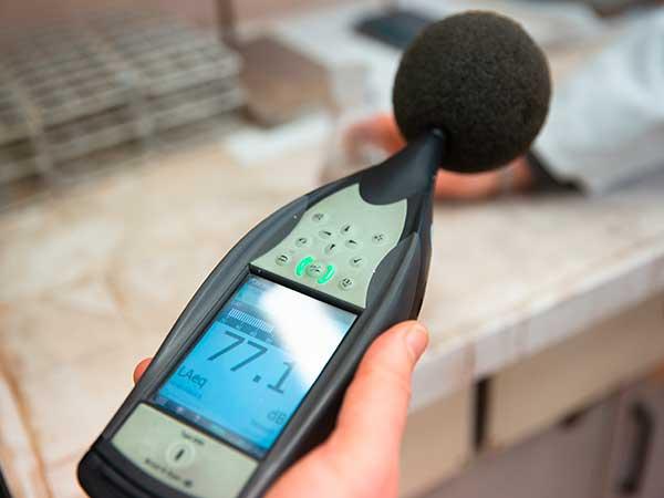 Valutazione-emissioni-sonore-per-bonifica-modena